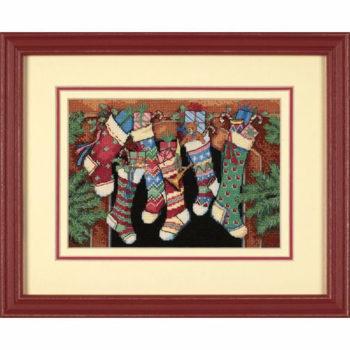 """08800 • Набор для вышивания крестом """"Чулочки приготовлены.."""" • """"The Stockings Were Hung…"""" DIMENSIONS"""