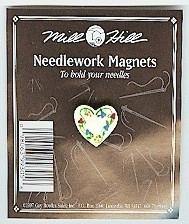 """Магнитный держатель для игл """"Floral Heart • Цветочное сердце"""" Mill Hill"""