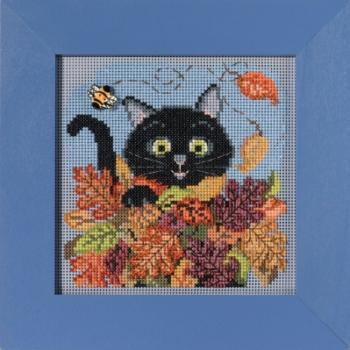 """Набор для вышивания """"Playful Cat • Игривый кот"""" Mill Hill"""